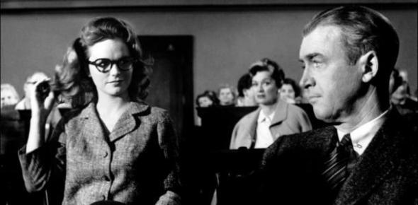Biegler e la Signora Manion in aula