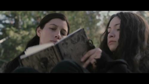 Julia, sulla sinistra, e Jenny
