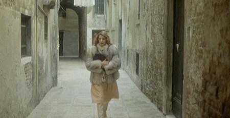 Stefania Casini è Sandra