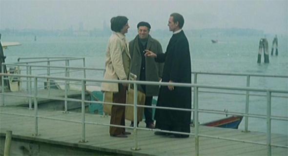 Stefano, sulla sinistra, paolo, sulla destra e al centro il sagrestano